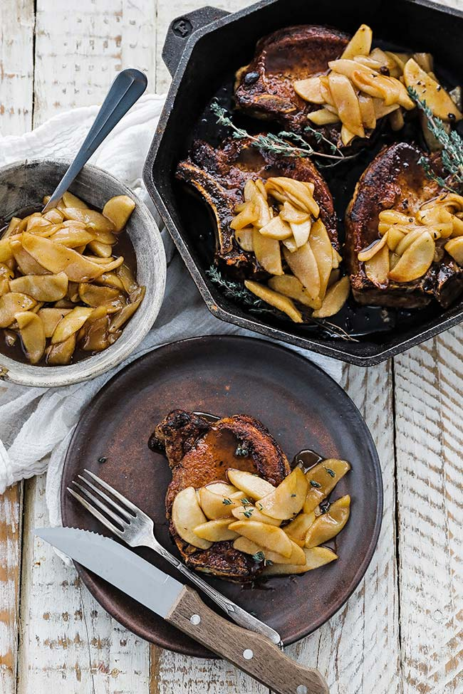 cooked pork chops with oven roasted sweet apples