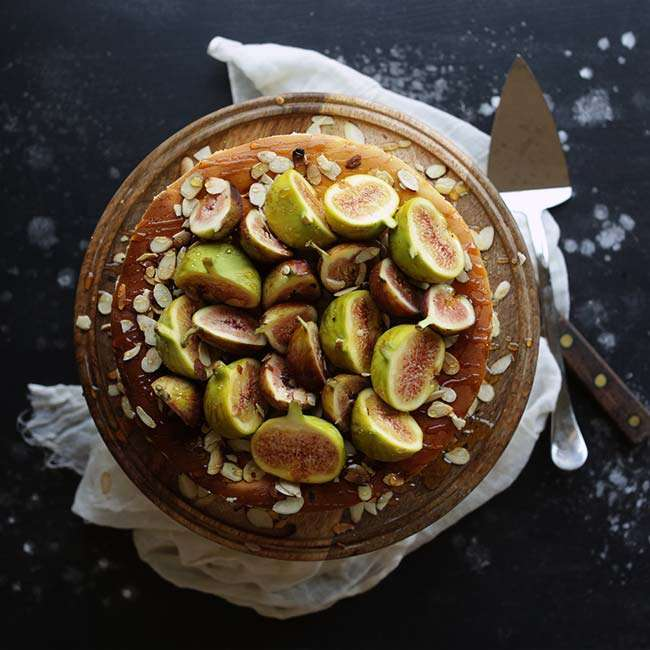 Italian Ricotta Cheesecake Recipe with Fresh Figs and Honey