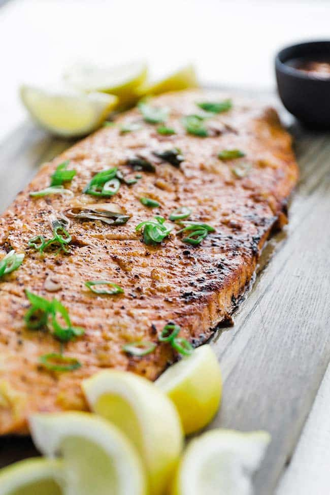 broiled salmon with herbs and garlic