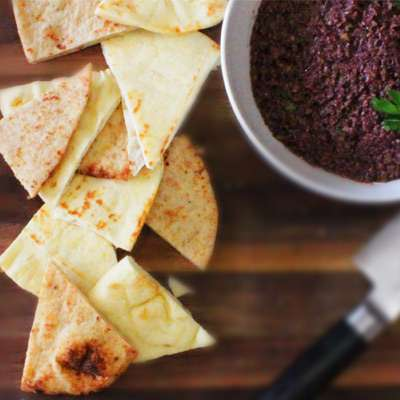 Olive Tapenade with Naan Bread